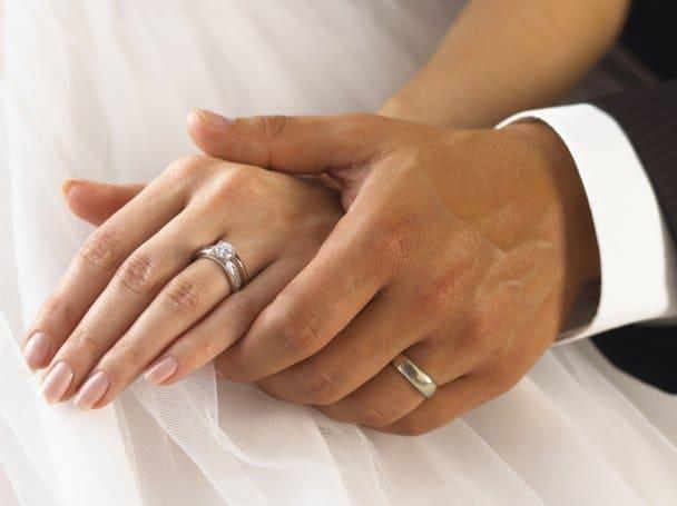 Как выбрать идеальное обручальное кольцо для свадьбы - советы ... 91e34da51f45b